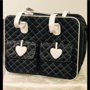 Quilted animal tote bag for a small size pet.